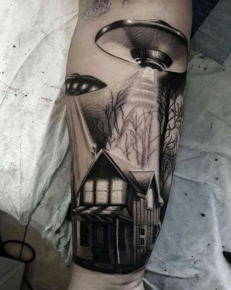 the 25 best ideas about ufo tattoo on pinterest alien tattoo outer space tattoos and cool. Black Bedroom Furniture Sets. Home Design Ideas
