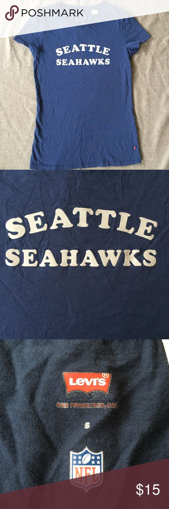 levi's nfl t shirt Seahawk nfl T shirt size small great condition Levi's Tops Tees - Short Sleeve