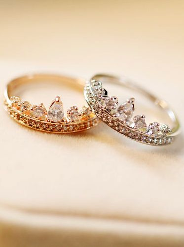 crown ring. tiara ring. WE should buy these for each other. They would be the ultimate bestie rings! @Elyse Murrell