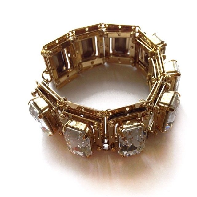 Our gorgeous Lulu bracelet. A definite classic for any jewellery aficionado!