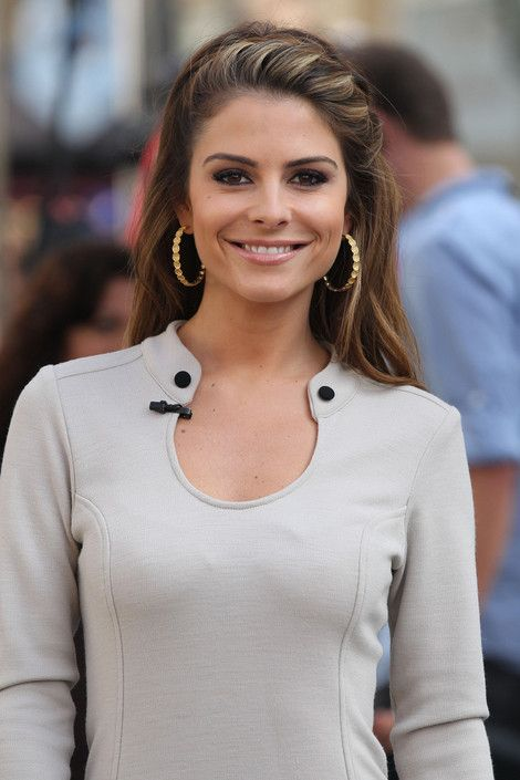 Maria Menounos. With #Greek immigrant parents Maria speaks Greek fluently and was raised in Massachusetts where she would attend the local Greek Orthodox Church.  Maria is well known for her appearances as a correspondent for the Today show, Access Hollywood, Extra, and abroad for co-hosting the Eurovision Song Contest 2006 in #Athens, #Greece.