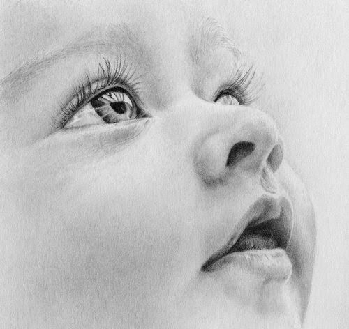 Realistic drawings look like photographs: To an untrained eye these pictures would look nothing more than standard photographs but its not all black and white - they are in fact hand drawn. Description from pinterest.com. Search for this on bing.com/images