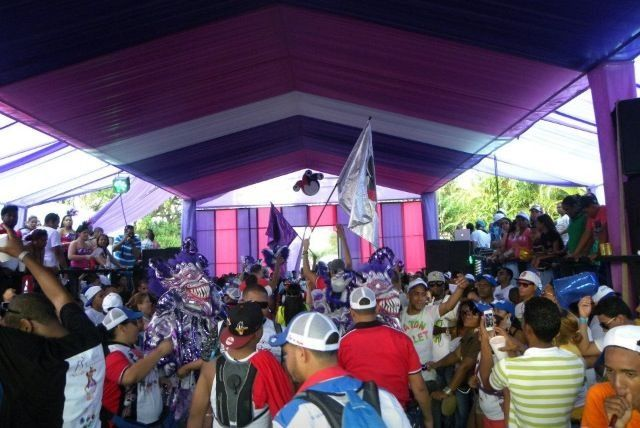 Los Bufones, Carnaval Vegano 2013. Cueva