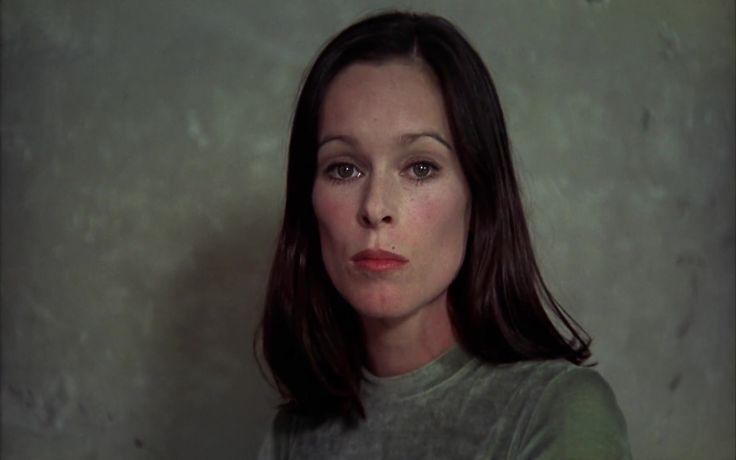 Geraldine Chaplin in Cría cuervos (1976)