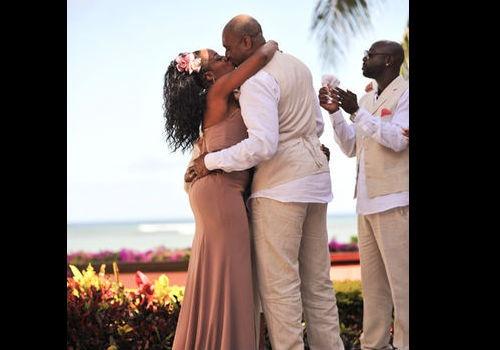 Tichina Arnold's island wedding with Rico Hines ...
