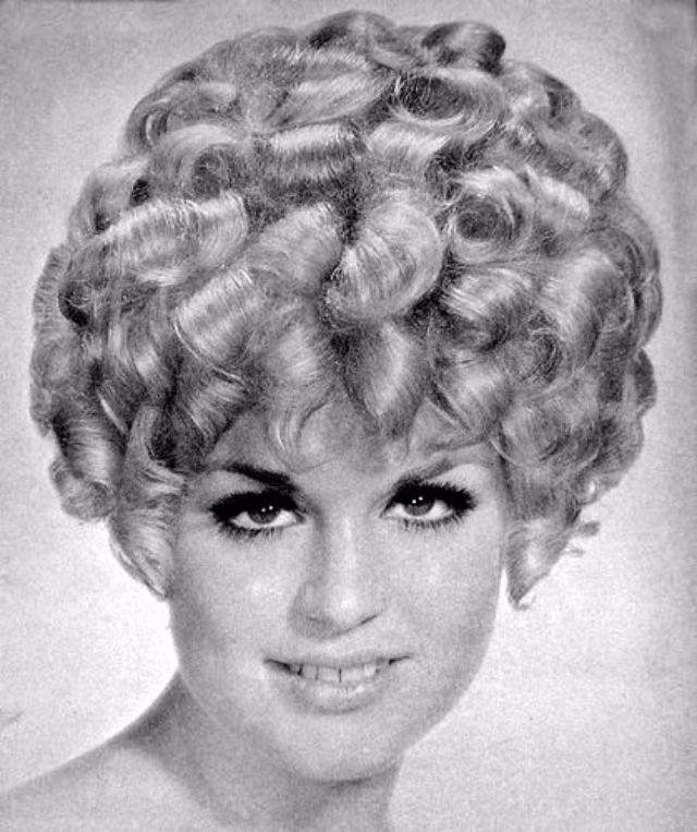 Best 20+ Vintage Curly Hair Ideas On Pinterest