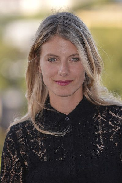496 best melanie laurent images on pinterest melanie laurent french actress and french language. Black Bedroom Furniture Sets. Home Design Ideas