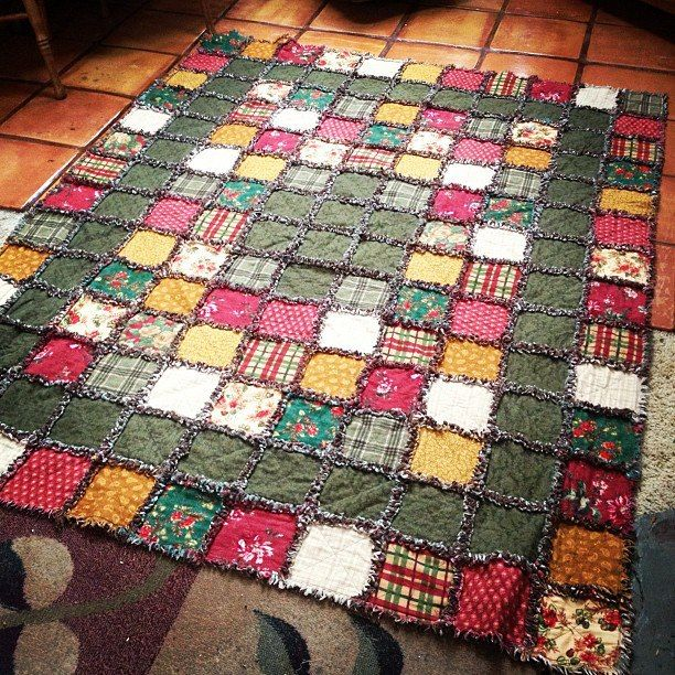 Flannel rag quilt tutorial (shows two kinds of quilts: one with an inner layer and one without)