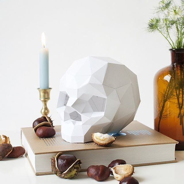 """To fold or not to fold that is the question."" DIY Paper Skull by @assembli.nl     By the way the Haigō newsletter is here - Find it in the profile description     Get in on your #desk"