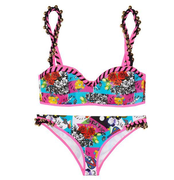 Un maillot de bain coloré : Versace