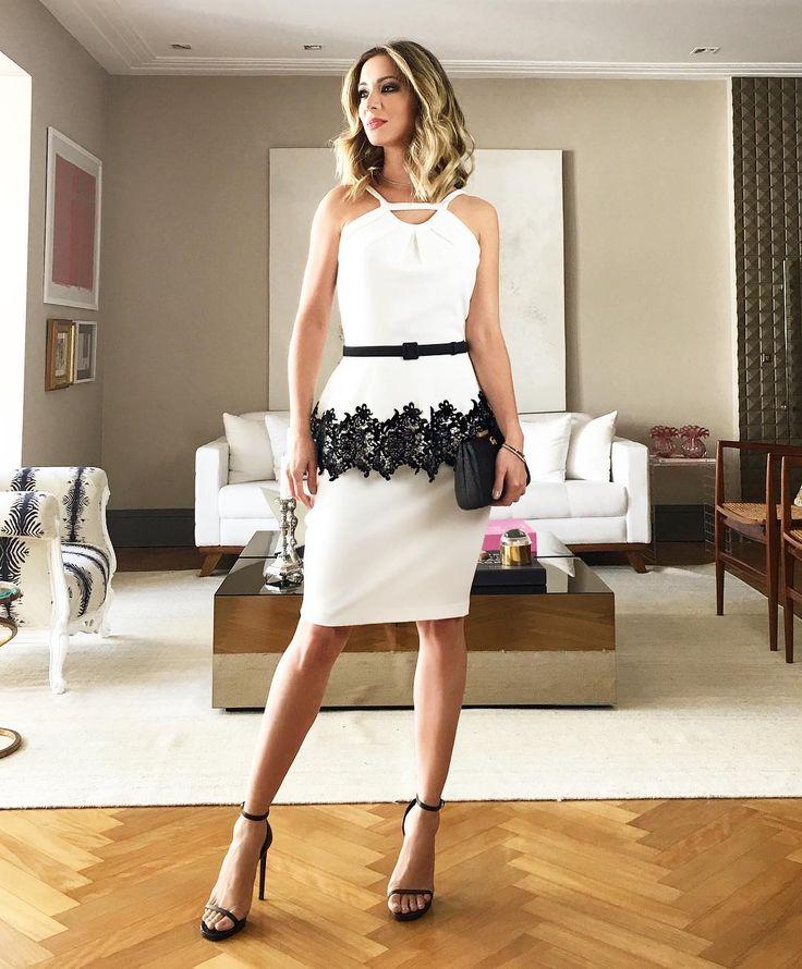 Mais uma do look que postei mais cedo! Lindo esse vestido com detalhe em renda da @strass_oficial
