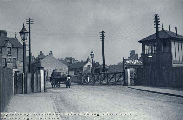 Level Crossing, Midlands Railway, Victoria Road, Carlton, 1900