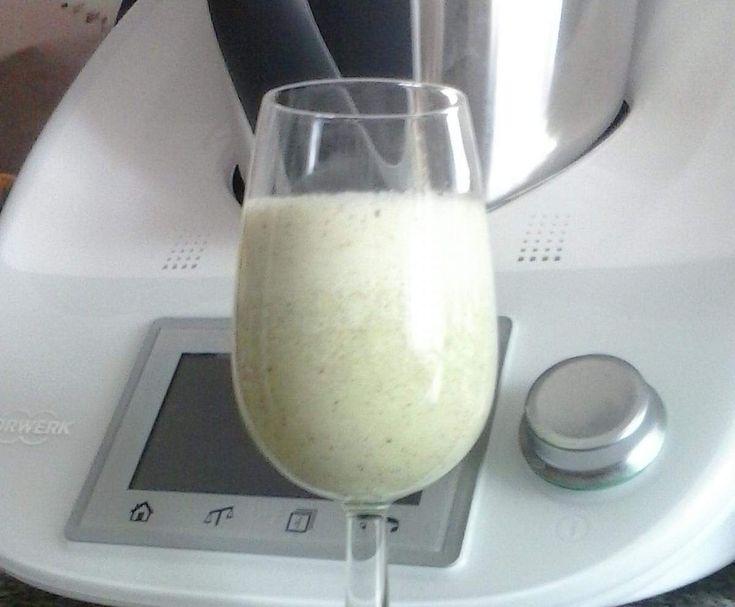 Ricetta Frullato light di kiwi e yogurt magro pubblicata da Robia68 - Questa ricetta è nella categoria Bibite, liquori e bevande