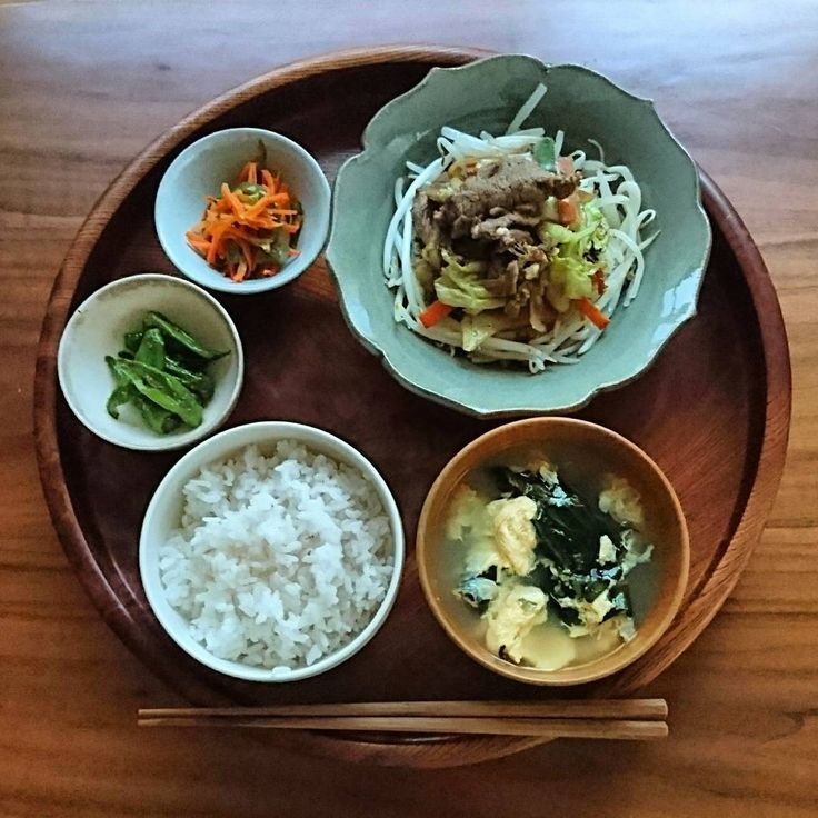 綺麗になりたい、不調を失くしたい。それなら「一汁三菜」を取り入れて食生活を整えてみませんか?ここでは「一汁三菜」を実践するのに役立つ、簡単で美味しい副菜のレシピをご紹介します。