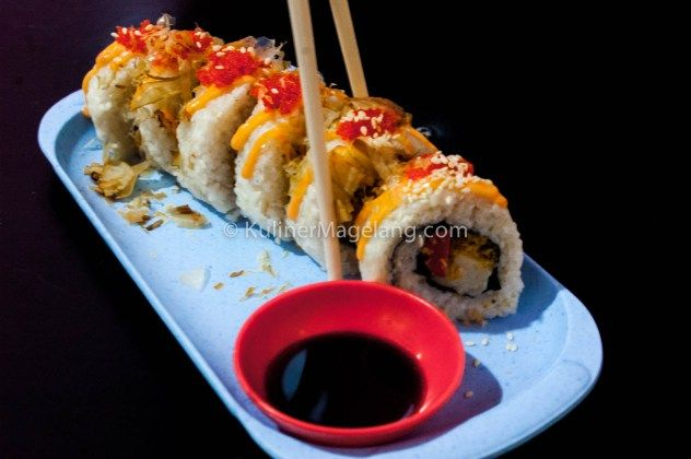 Kaki Lima Sushi California - Kuliner Magelang