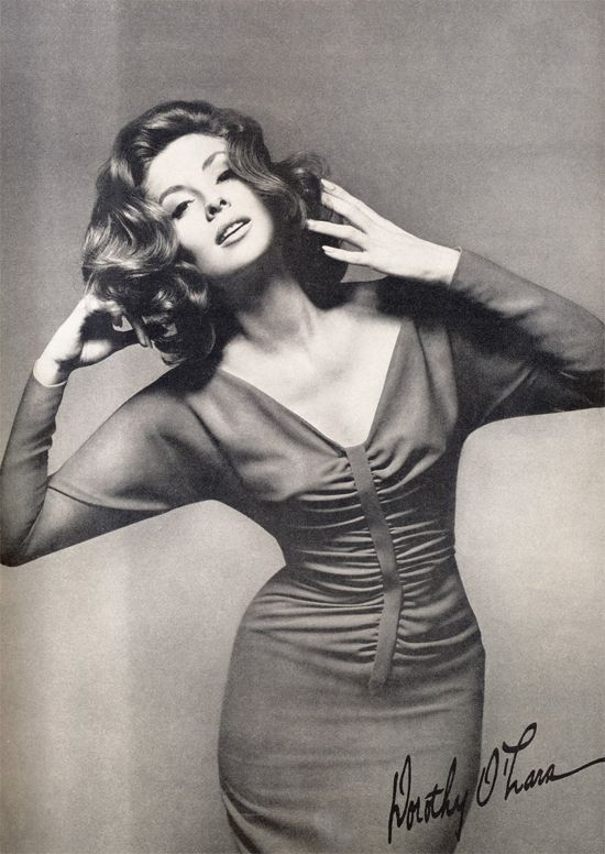 The beautiful 1950's model, Suzy Parker...I would have loved to live in this era so timeless :)