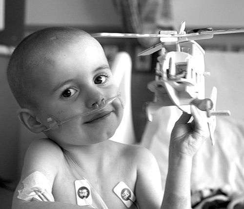 "Please pray for Weston and join his facebook group ""Praying for Weston"": Heart, Weston Keeton, Family House, Lungs, Children, Double Lung, Boy, Hospital, Lung Transplant"