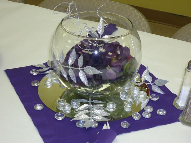 Purple silver centerpiece on napkin mirror tile