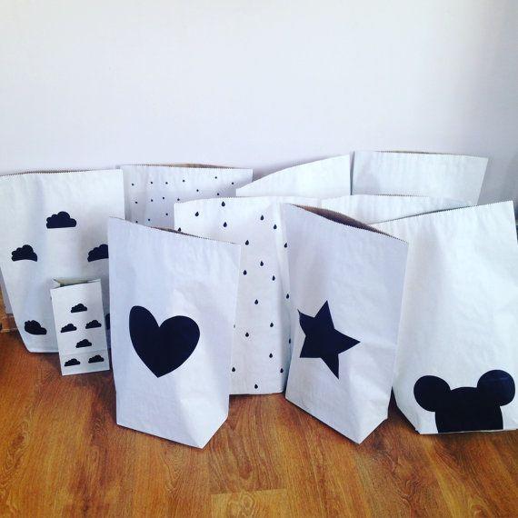Herz Home Dekor Kleinkind Kraft Papier Tasche von VolpeShop
