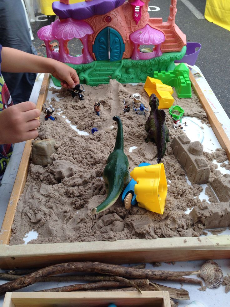 Kinetic Sand play experience.