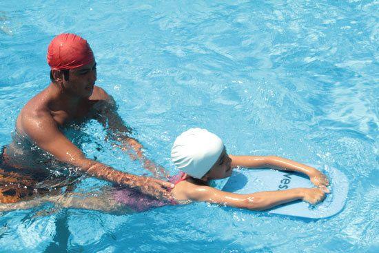 #yuzmekurslari Yüzme kurslarına gidin, kolayca yüzme öğrenin. Bu yazın idolü siz olun. Fark atın! Yüzme, Yüzme Kursları http://aquakamp.com
