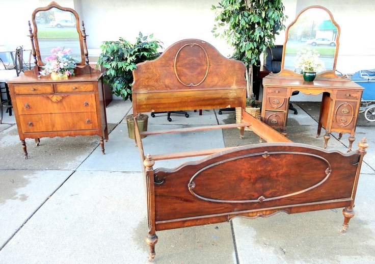 Antique Solid Wood Full Size Bedroom Set W Mirrored