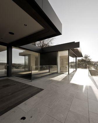 BAUTEN - Haus am Waldrand - Think Architecture
