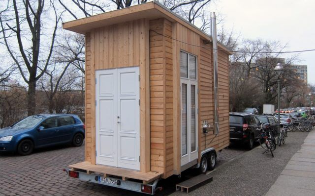 wohnen der zukunft f r 100 euro im tiny house gr ne. Black Bedroom Furniture Sets. Home Design Ideas