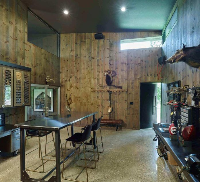 Existing rustic studio + workshop is transformed in to a strong, modern form - CAANdesign