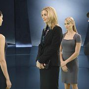 Elizabeth Mitchell, Laura Vandervoort, Morena Baccarin, and Logan Huffman in V (2009)