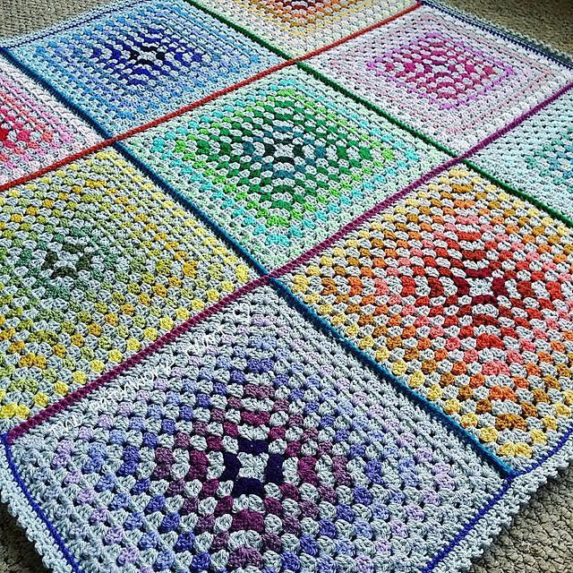 10 Best Baby Blanket Patterns - Collection by Nicki's Homemade Crafts #free #freecrochetpattern #blanket #baby #colorful #rainbow #square #grannysquare