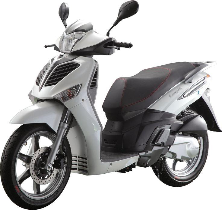 Le Keeway Logik 125 est un scooter à grandes roues au look moderne