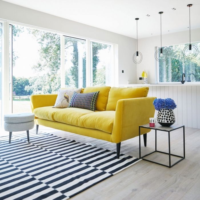 Living Room Wall Paint Yellow Sofa Striped Carpet Round Hanging Lamps Blue Carpet Einrichtungsideeng Yellow Living Room Yellow Sofa Living Room Sofa