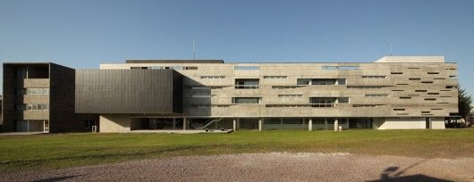 Biotechnology Research Institute in Buenos Aires by De La Fuente + Luppi + Pieroni + Ugalde + Winter