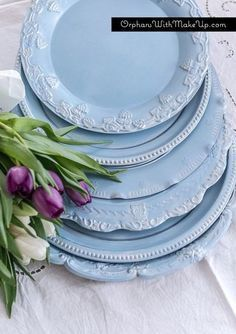 diy plate chargers by painting silver trays from thrift stores, home decor, repurposing upcycling
