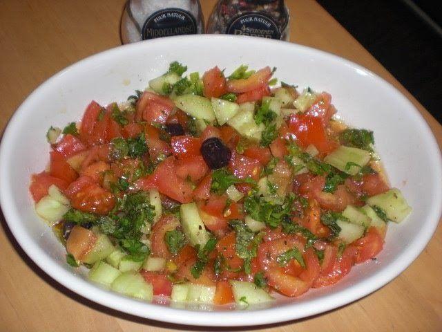 Lekker Turks eten: Tomaten Salade, Domates Salatasi