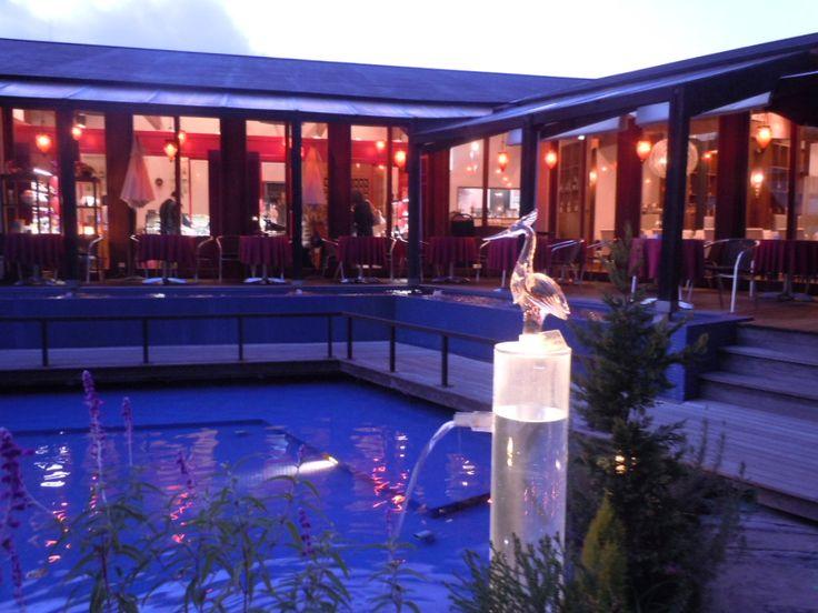 透明なガラスが神秘的。愛媛県の絶対おすすめ観光スポット