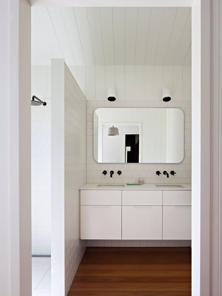 Bathroom   High Noon by Clare Cousins Architects   est living