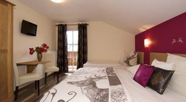 Chalet Jagdhof - 4 Sterne #Chalets - EUR 243 - #Hotels #Österreich #SanktJohannImPongau http://www.justigo.de/hotels/austria/sankt-johann-im-pongau/chalet-jagdhof_36735.html