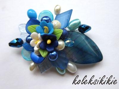 simple flower clay, make this brooch look nice