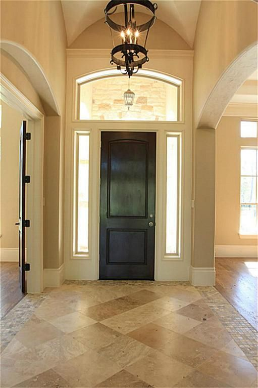 Best 25 entryway tile floor ideas on pinterest tile for Mudroom floor ideas
