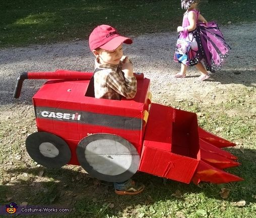 Case IH Combine Costume - Halloween Costume Contest via @costume_works