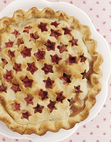 Strawberry Rhuarb Pie..isn't that adorable?