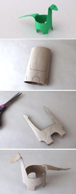 Dinosaurio con tubo de cartón