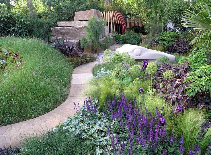 Inspiratie voor je eigen tuin kun je het beste halen uit goede bestaande tuin voorbeelden. We zetten 10 voorbeelden van tuinen voor je op een rij.