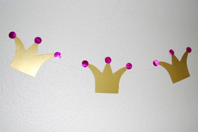 die besten 25 faschingsdeko girlanden ideen auf pinterest partydeco papierblumen girlande. Black Bedroom Furniture Sets. Home Design Ideas