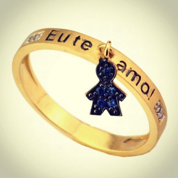 Anel em Ouro com Safiras Menino - @joiasgold- #webstagram www.joiasgold.com.br #Joiasgold #Anel #Ouro #Joias #Aneldeouro #Joalheria #Moda #Ring #Gold #jewel #jewelry #Safira #Menino #Pingente #Mamãe