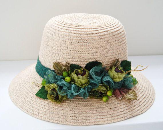 Sombrero de ancha ala playa con flor verde por dantiehandmade