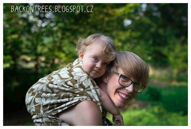 Back on Trees: Nošení dětí v létě