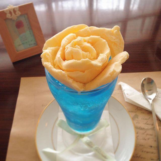 息をのむほど美しい乙女のクリームソーダを京都喫茶ヴィオロンで